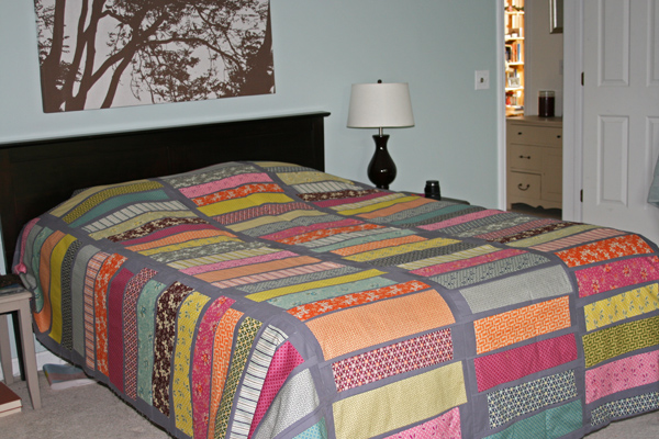 A Quilt Fit for a Modern Day Queen - Hawthorne Threads Blog : queen size quilts - Adamdwight.com
